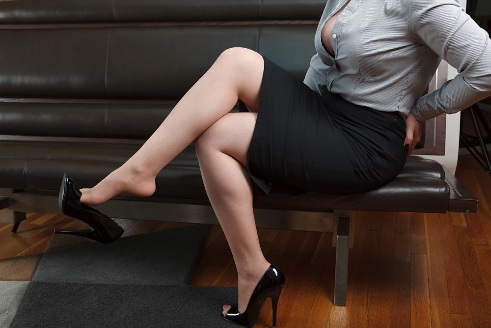Sexy shoe and legs porn new porno